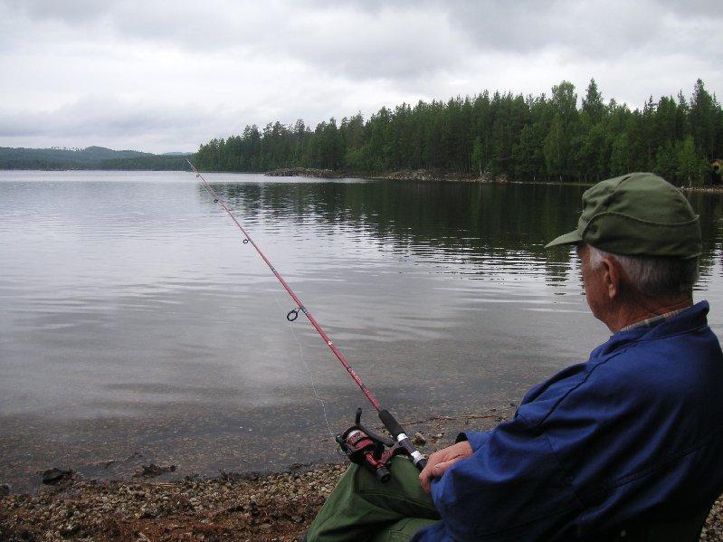Morfar Tage njuter av livet.