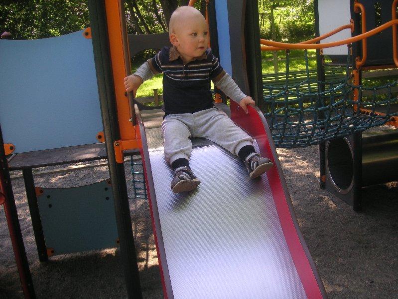 en massa härliga besök i lekparken.